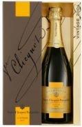 Шампанское Вдова Клико Винтаж 2004 подарочная упаковка 0,75 л
