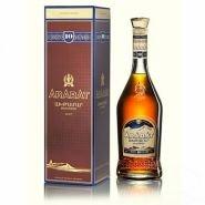 Коньяк Ахтамар 10 лет в подарочной упаковке 0.7